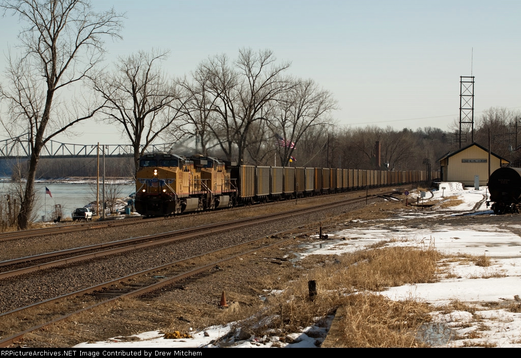 UP 5659 leads a Labadie coal empty