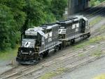 NS EMD GP38-2 5663 & EMD SD40-2 3353