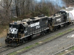 NS EMD GP38-2 5216 & EMD MP15DC 2406
