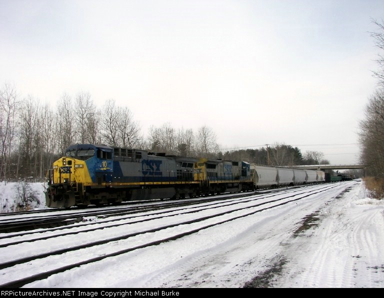 Q417 makes it way south down the Riverline
