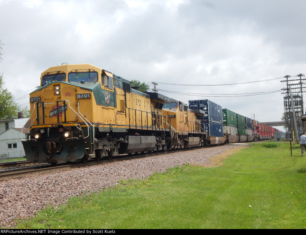 CNW 8701