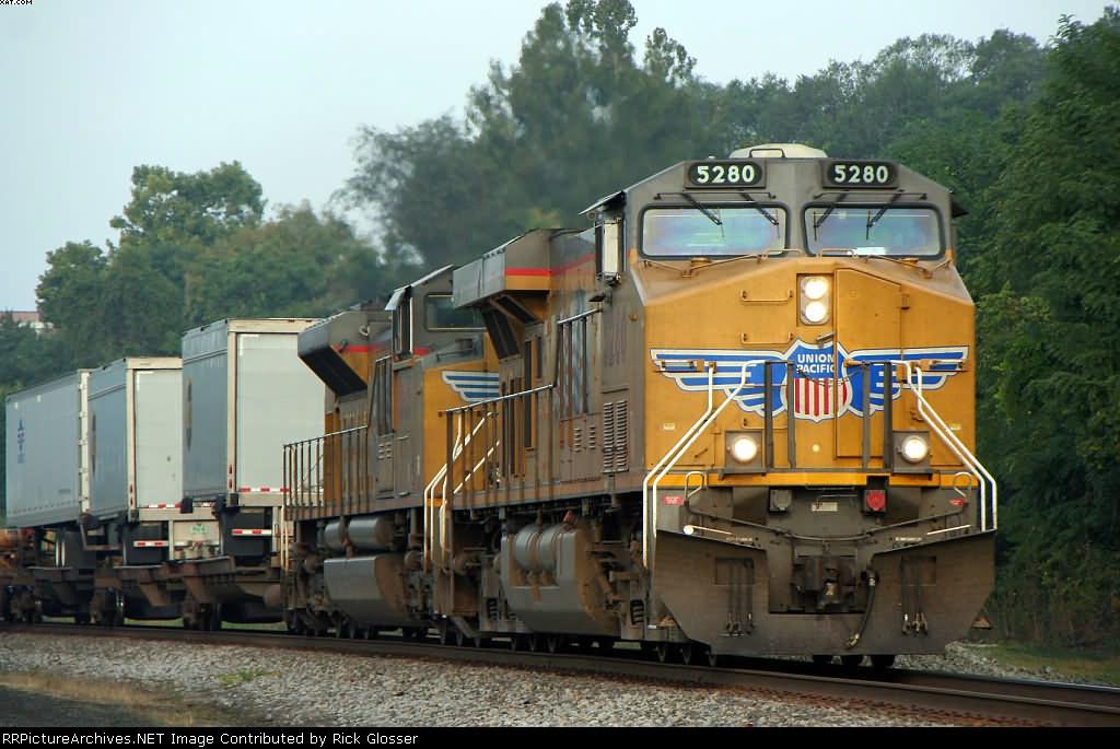 A pair of Union Pacific Lead EB NS 212 @ 0830h., P'burg, NJ