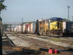CSX 9 waits with UP 4292 & 4017 as R390-19 stretches the length of 4 Track