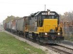 3829 rolls Z739 south with 6 cars from the GRE