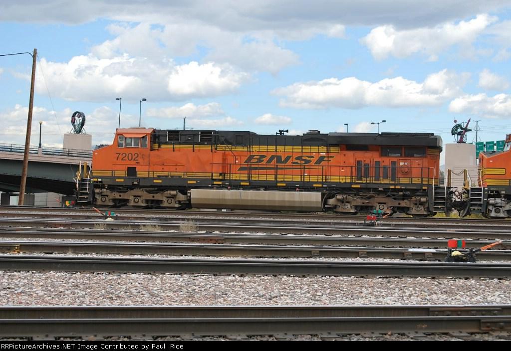 BNSF 7202