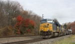 CSX Q439 with the Last bits of Fall Color