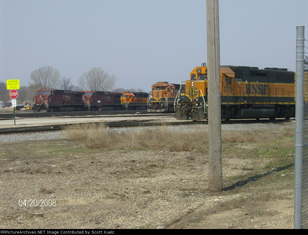BNSF 2115