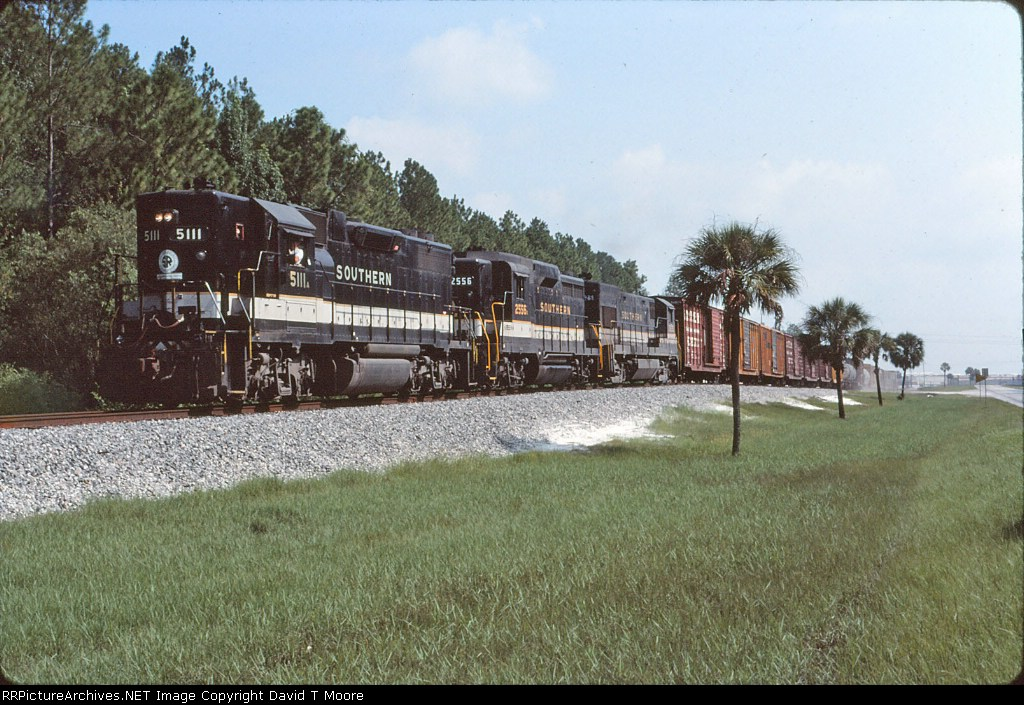 SOU 5111 and train leaving the Georgia Pacific plant