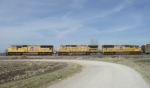 3 UP wait for a CSX Crew