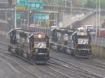 SD40E helpers move towards Altoona, while SD40-2 helpers move up the mountain