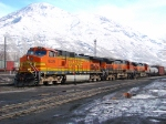 UTAH RAILWAY CREWS PERFORM SWITCHING DUTIES AT PROVO WITH BNSF POWER. MARCH 6,2010 PROVO,UTAH.