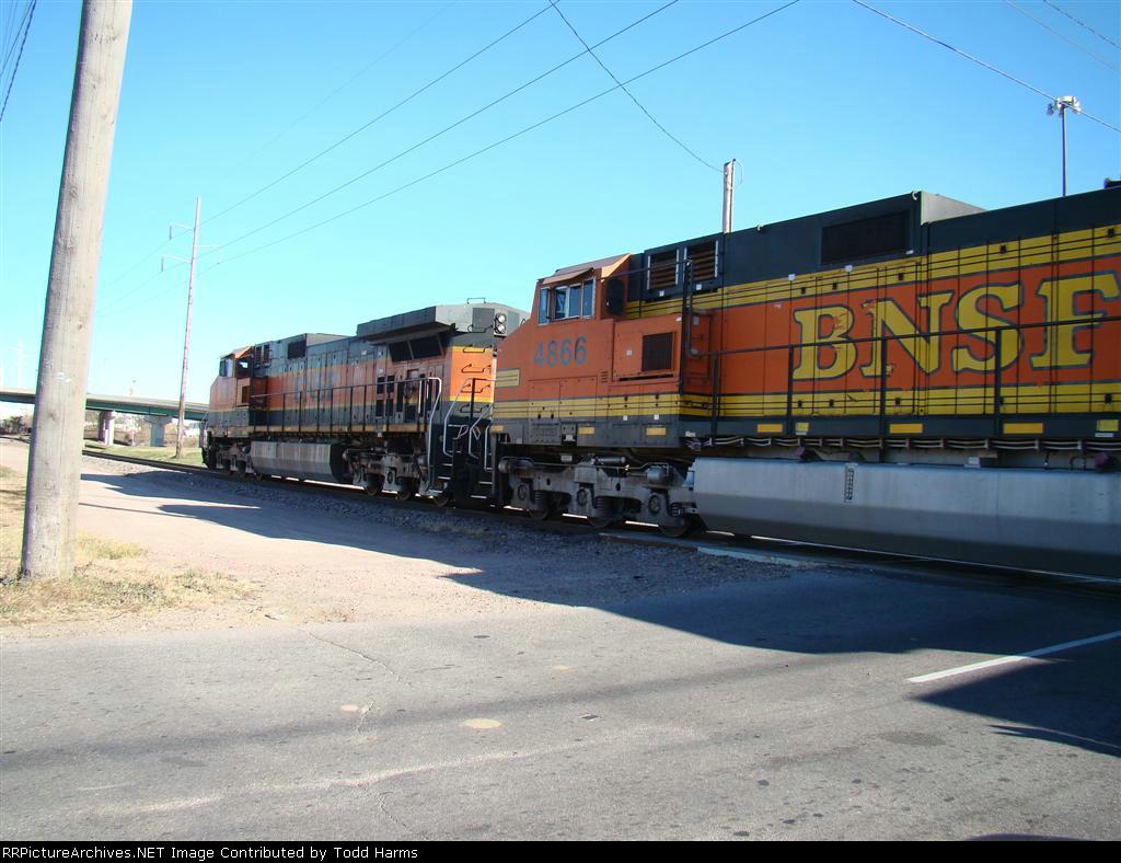 BNSF 4866