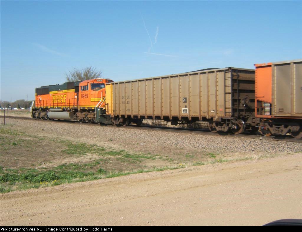 BNSF 8969