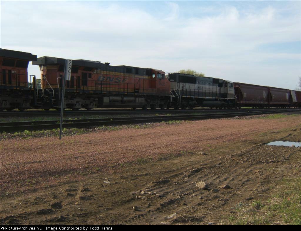 BNSF 7635