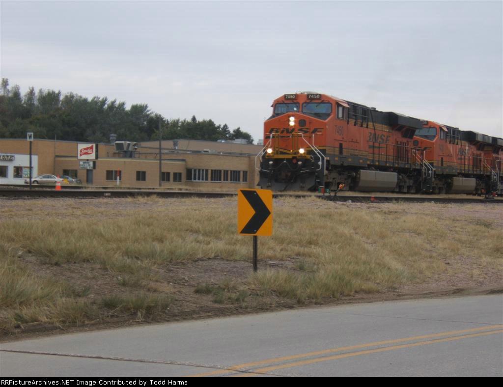 BNSF 7450