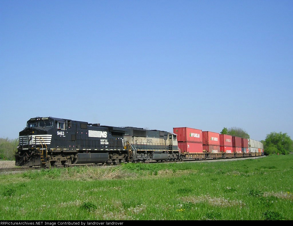 NS 9463 & BNSF 9593 On NS 236 Eastbound