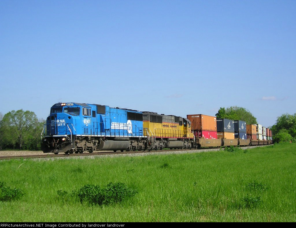 NS 6747 On NS 235 Eastbound