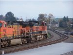 BNSF 1046 and 5683 Making the Curve out of the Vancouver Jct headed to Barstow