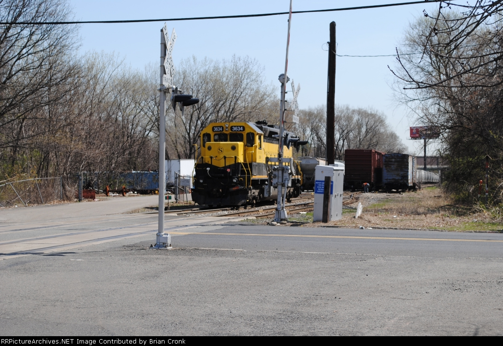 NYSW 3634 switching the yard