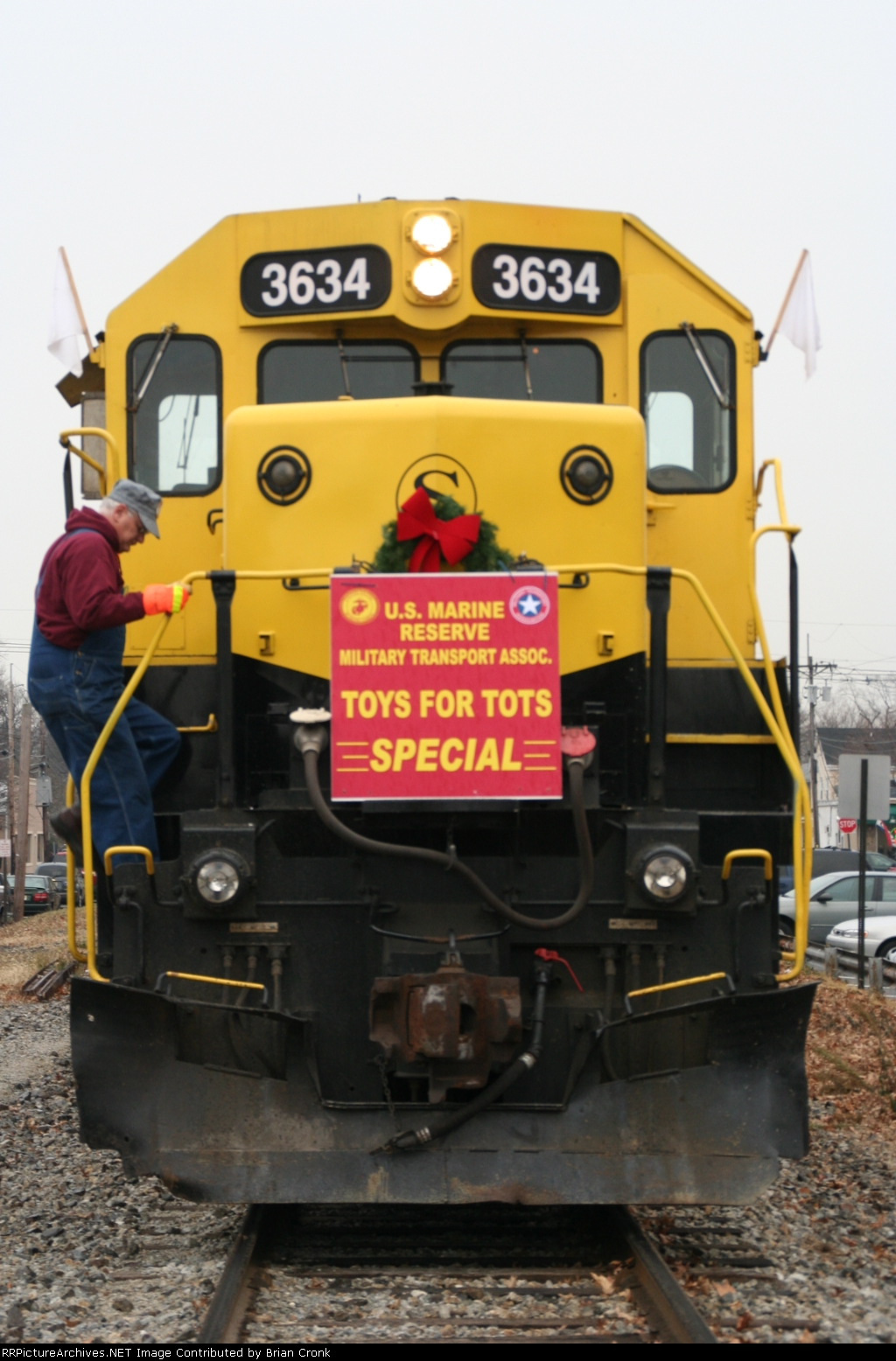 The engineer getting ready for a west bound departure to pick up toys along the Susquehanna's Southern Division