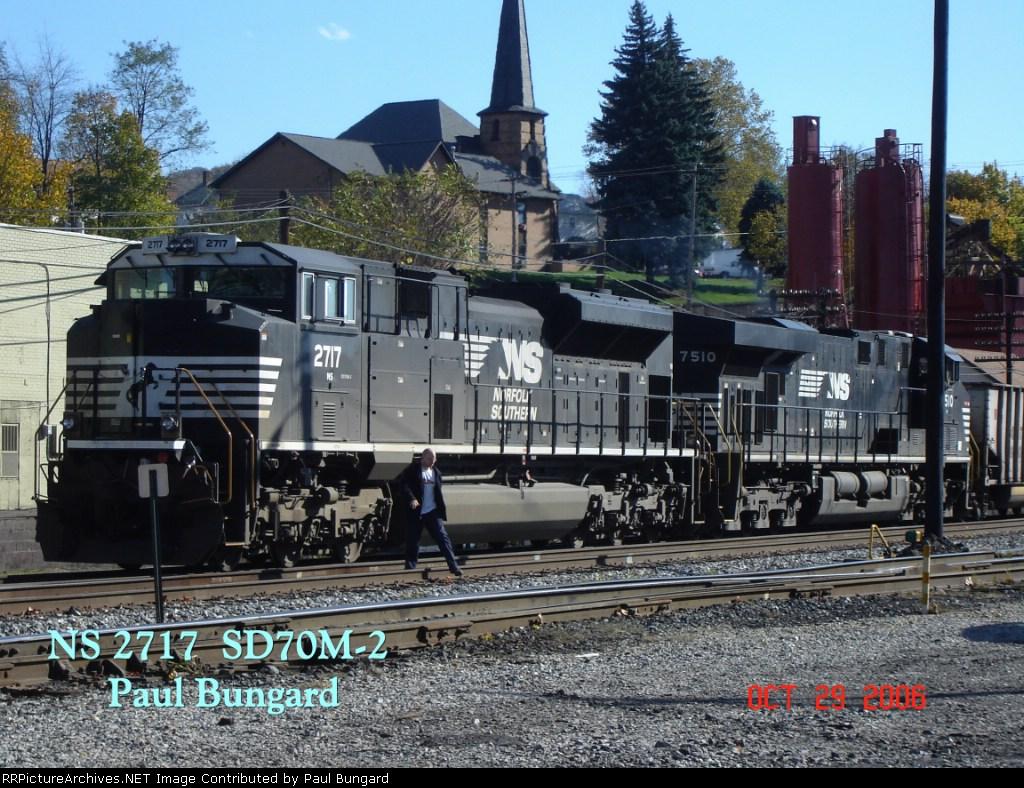 NS 2717   SD70M-2       NS 7510  ES40DC      10/29/2006