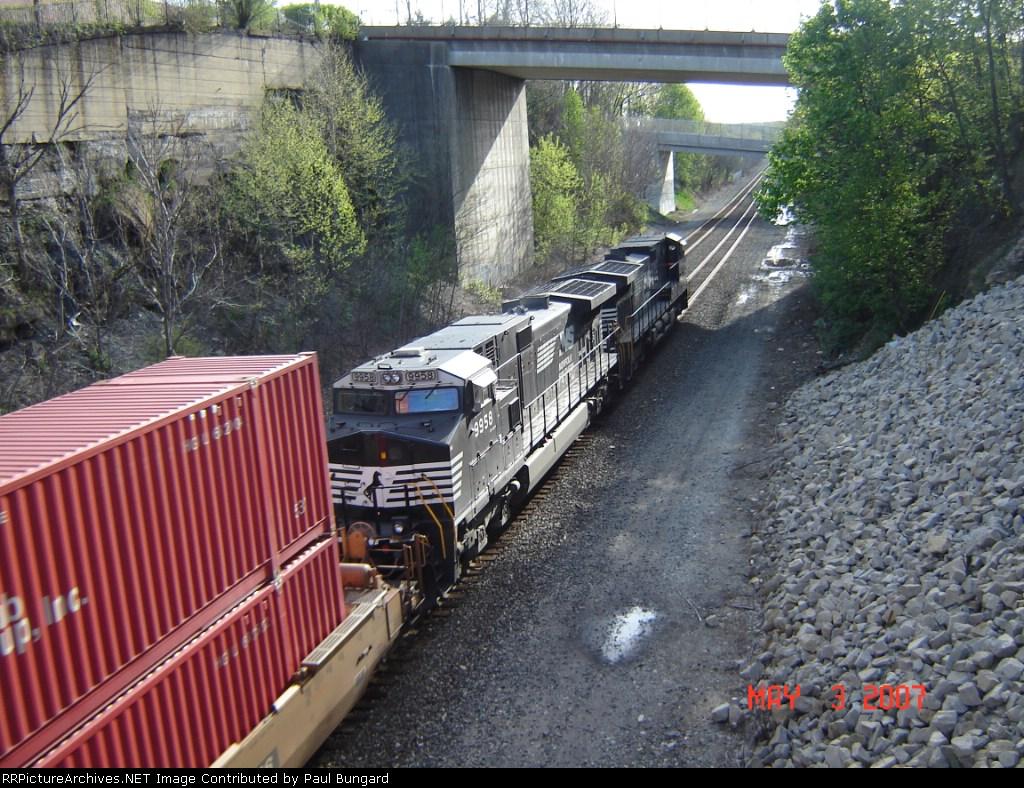 NS 9958  C40-9W  May 03, 2007
