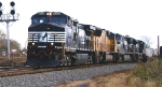 NS C40-9W 9028 leads a UP SD70M and 2 NS units on 213