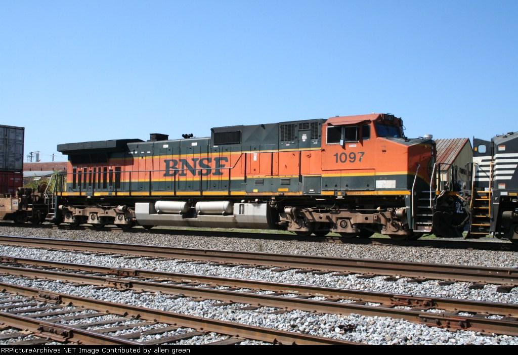 BNSF 1097