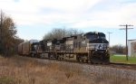 NS #278 approaches Moberly west of Wayside - 15:14