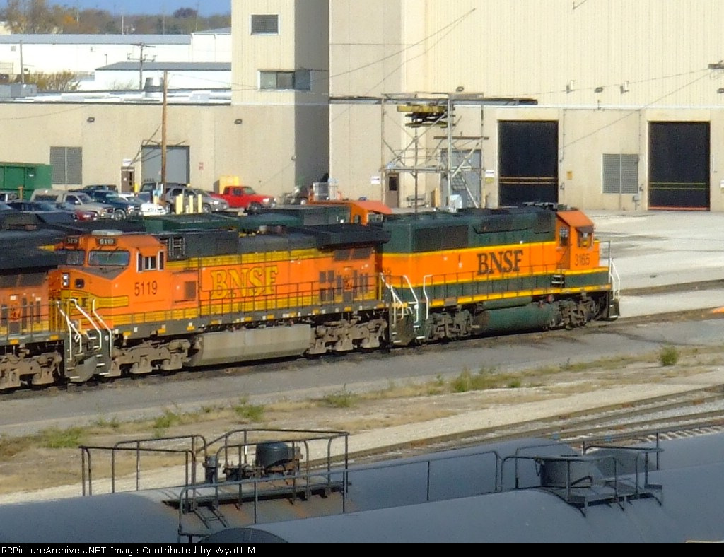 BNSF 5119 and 3165