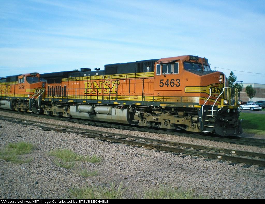 BNSF DASH9-44CW 5463
