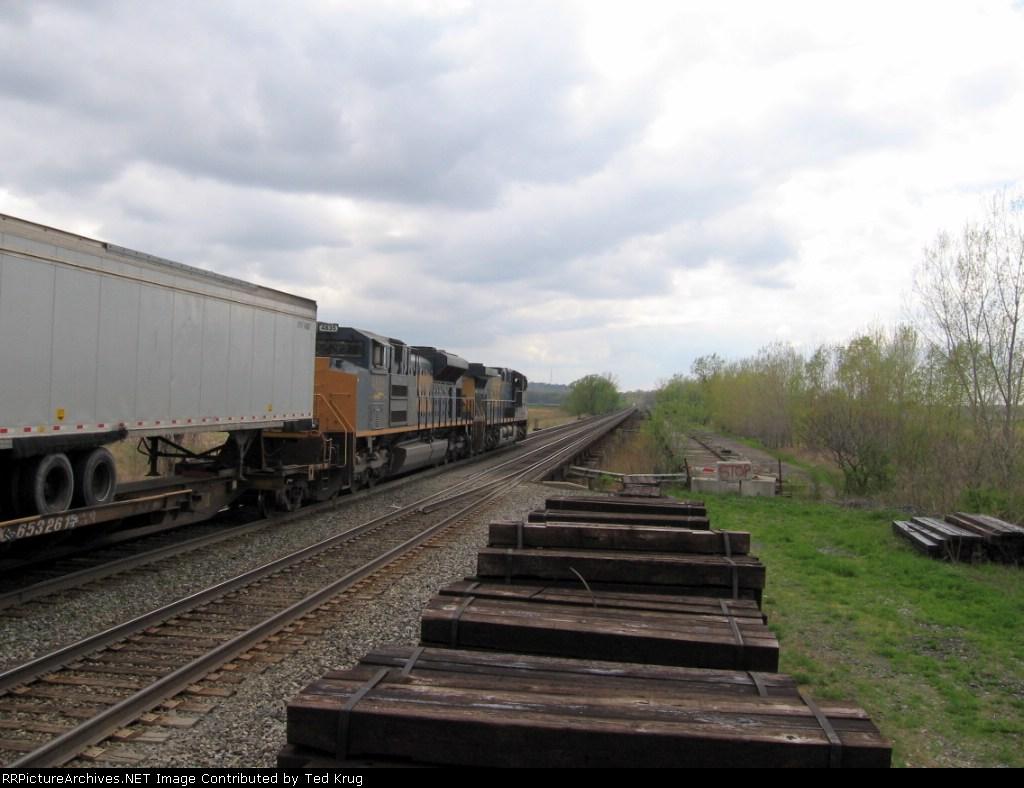 CSX 5101 & 4835