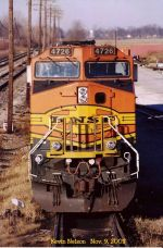 Front View No. 1 of BNSF 4726