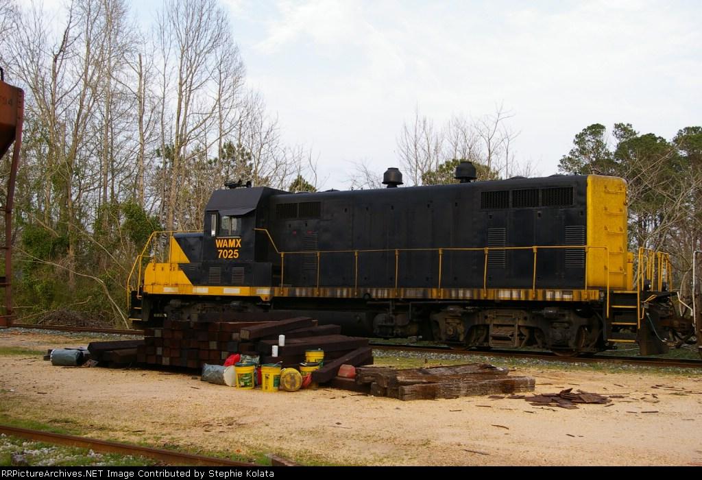 WAMX 7025