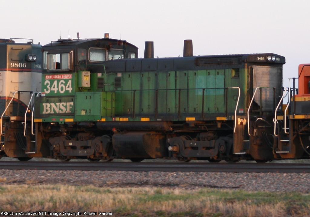 Tight Shot of BNSF 3464