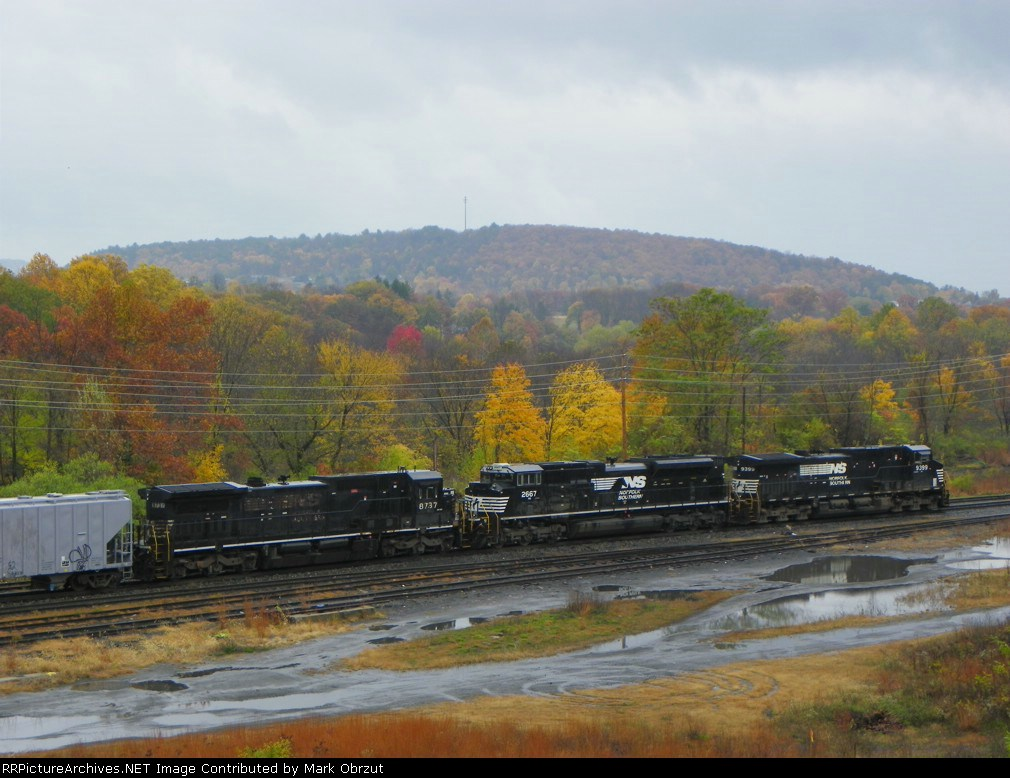 Norfolk Southern 9399, 2667, and 8737
