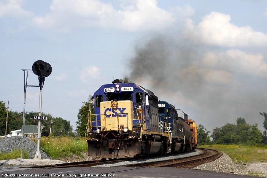 CSX 8471 SD40-2