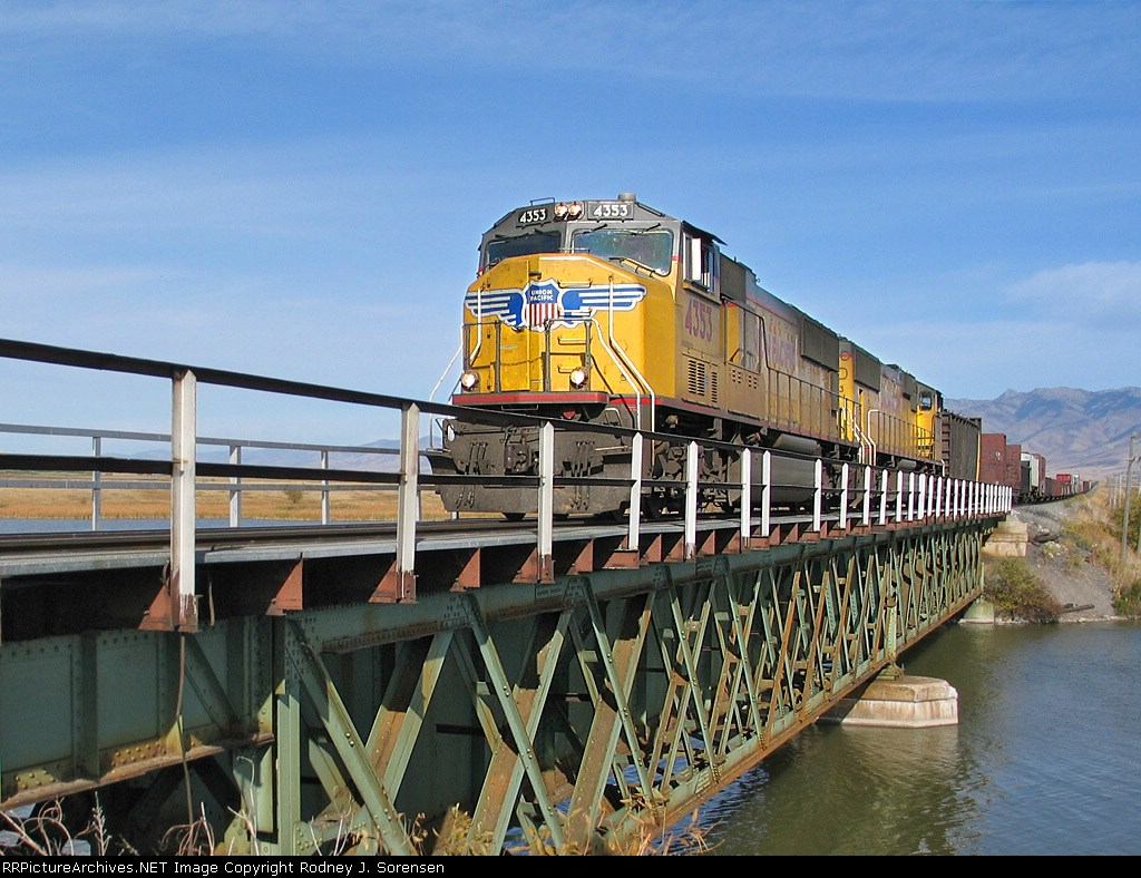 UP 4353 Crosses the Bear River