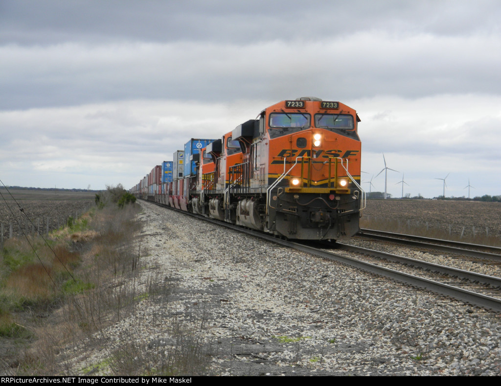 BNSF 7233