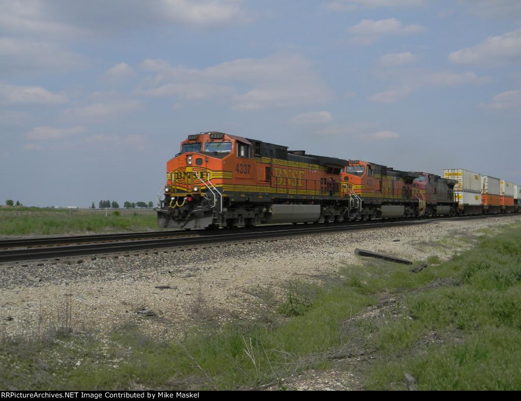 BNSF 4337