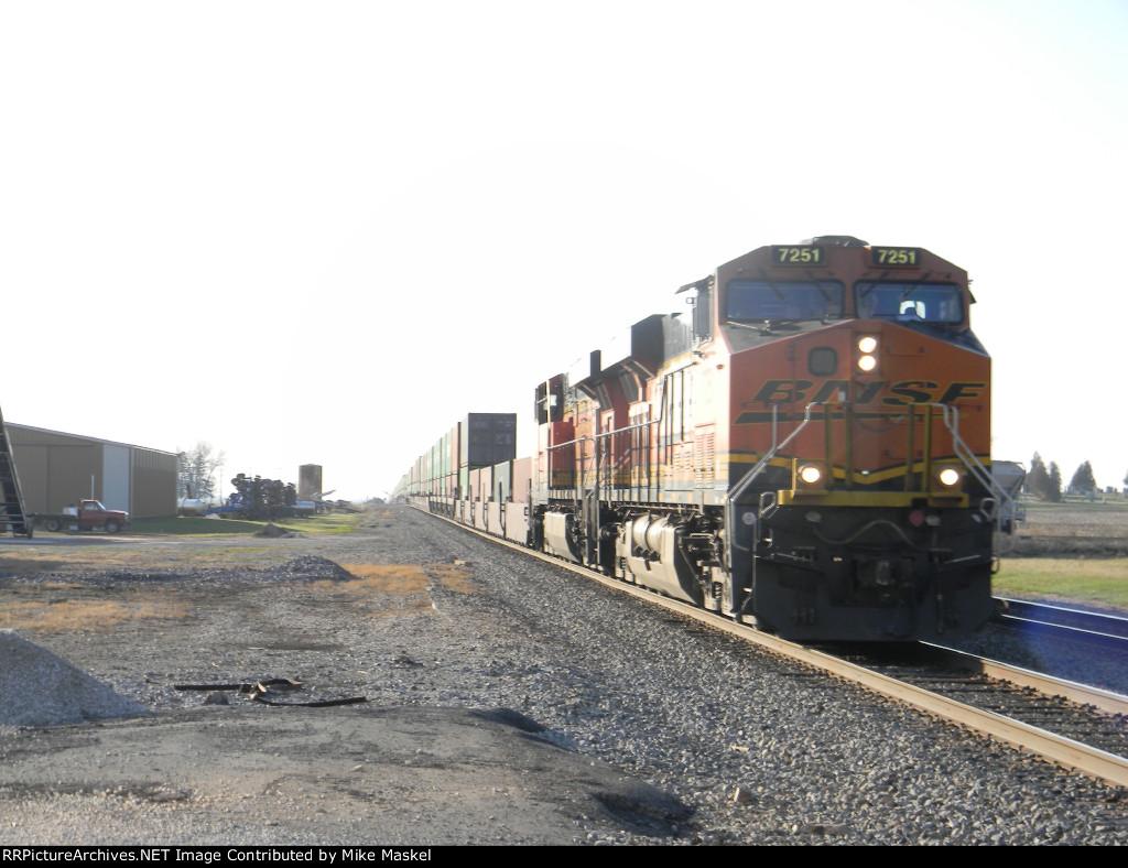 BNSF 7251