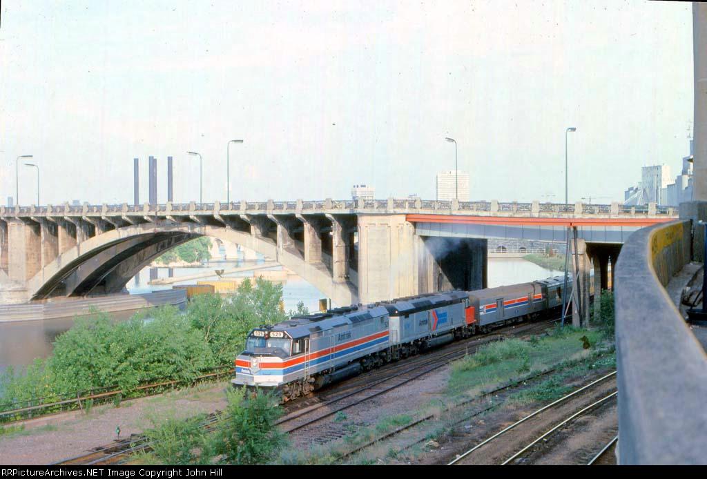 1013-17 Westbound Amtrak North Coast Hiawatha arrives Mpls GN Depot
