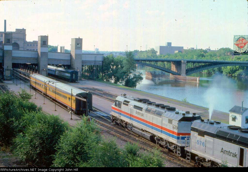 1013-18 Westbound Amtrak North Coast Hiawatha arrives Mpls GN Depot