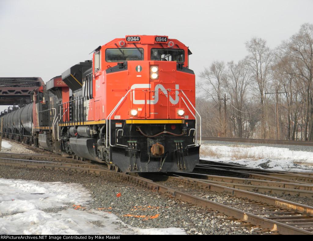 CN 8944