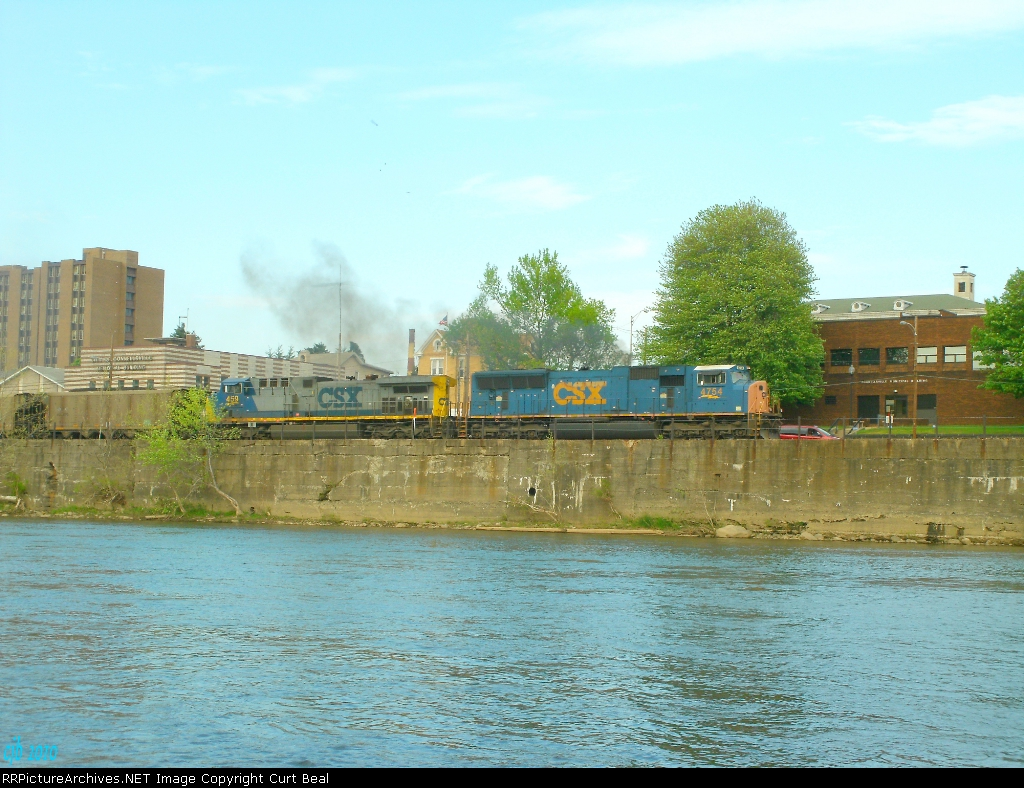 CSX 4754 and 459