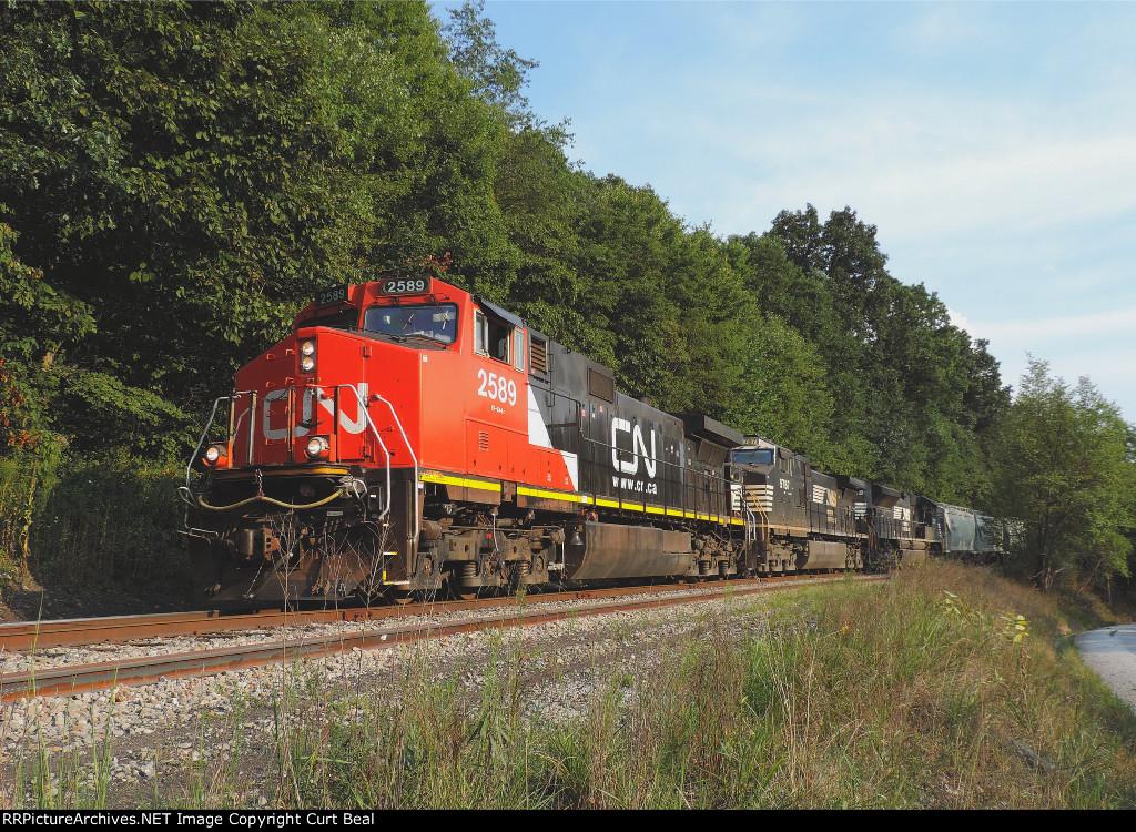 CN 2589 on empty sand train (5)