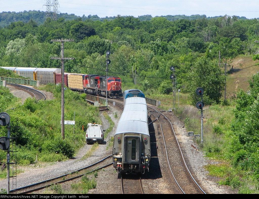 CN 5755 & CN 2580