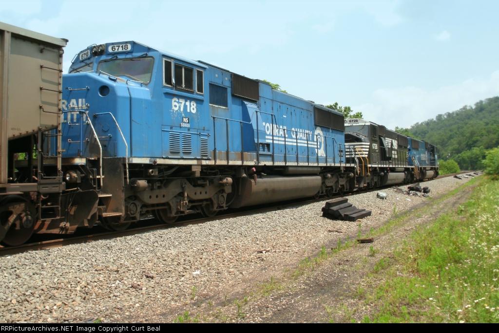 NS 6718, former Conrail