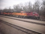BNSF and CP power congregate in Hoffman Yard