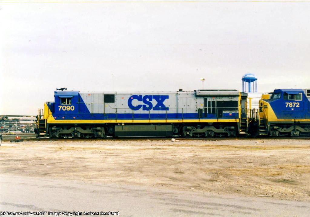 CSX GE 7090 along with CSX 7872